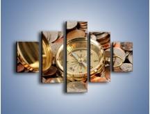 Obraz na płótnie – Kompas zatopiony w monetach – pięcioczęściowy O089W1