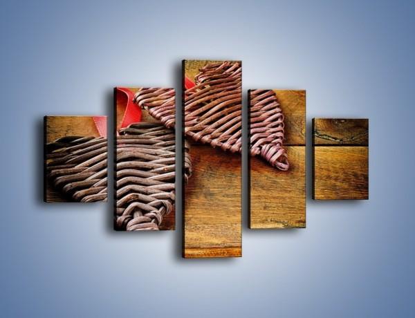 Obraz na płótnie – Plecione serca na drewnie – pięcioczęściowy O151W1