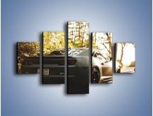 Obraz na płótnie – Chevrolet Camaro w matowym kolorze – pięcioczęściowy TM132W1