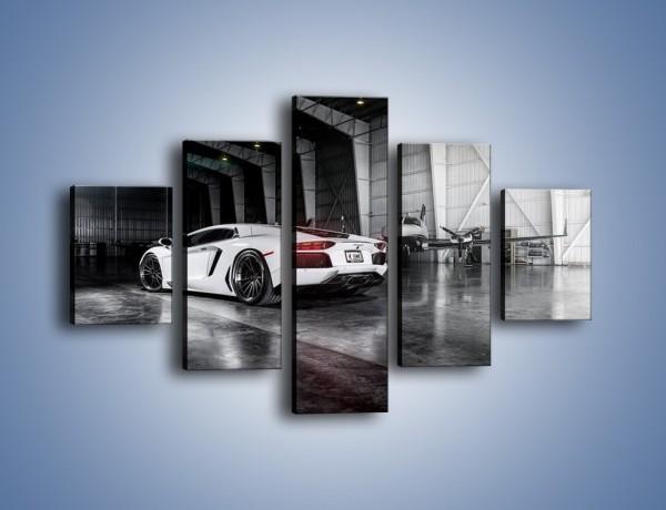 Obraz na płótnie – Lamborghini Aventador i samolot w tle – pięcioczęściowy TM204W1
