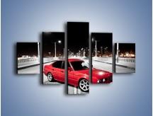 Obraz na płótnie – BMW 5 E34 na moście – pięcioczęściowy TM227W1