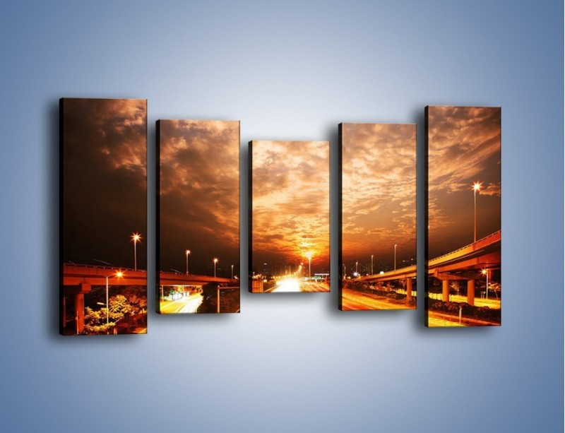 Obraz na płótnie – Oświetlona autostrada w ruchu – pięcioczęściowy AM021W2