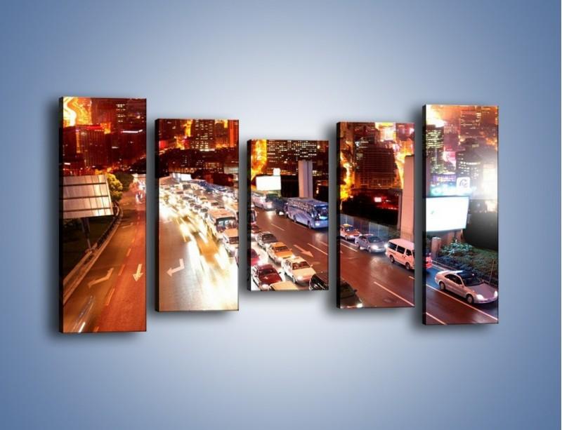 Obraz na płótnie – Wyjazd z zatłoczonego miasta – pięcioczęściowy AM080W2