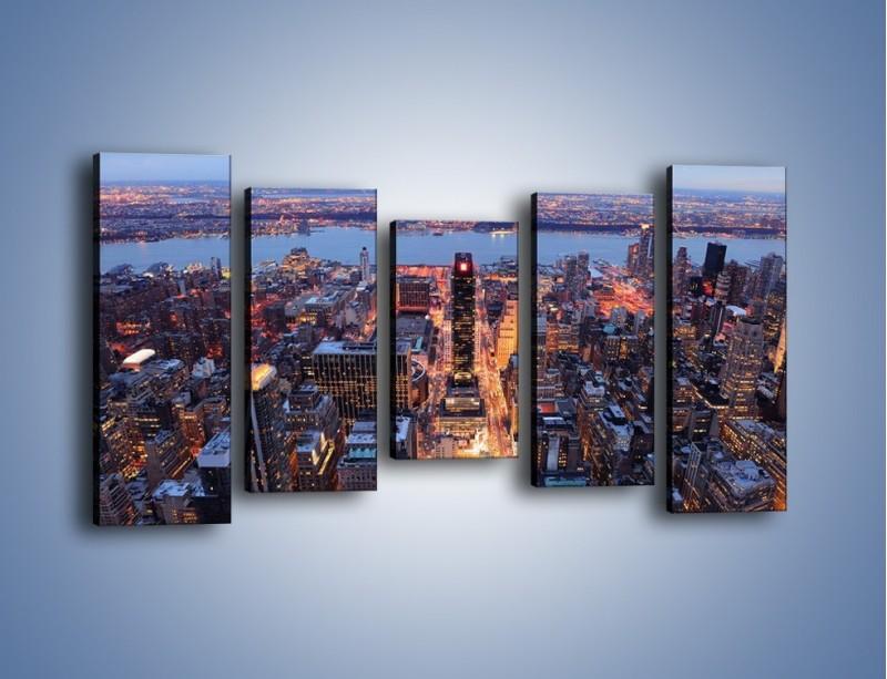 Obraz na płótnie – Budzące się ze snu miasto – pięcioczęściowy AM097W2