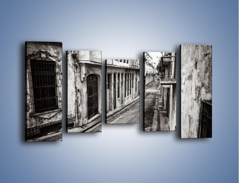 Obraz na płótnie – Urokliwa uliczka w starej części miasta – pięcioczęściowy AM124W2