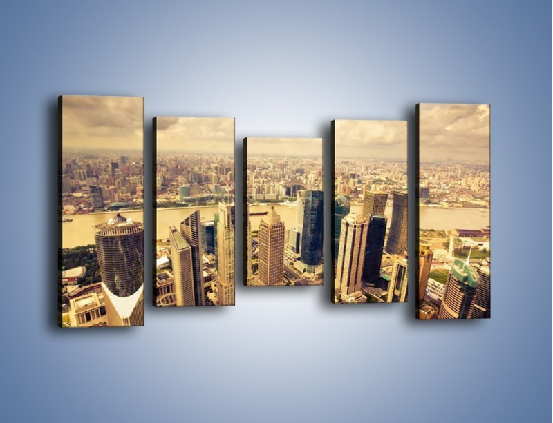 Obraz na płótnie – Miasto w pochmurny dzień – pięcioczęściowy AM178W2