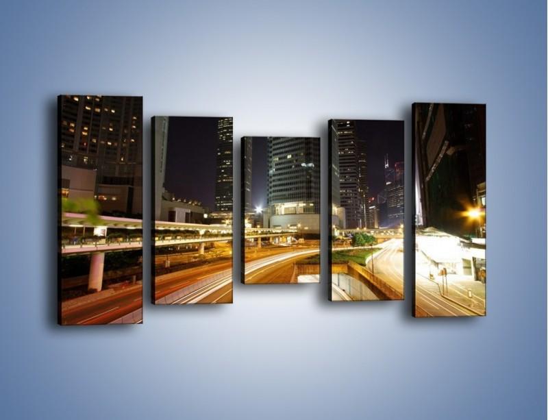 Obraz na płótnie – Miasto w nocnym ruchu ulicznym – pięcioczęściowy AM225W2
