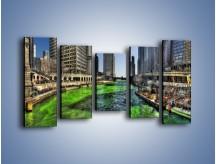 Obraz na płótnie – Chicago River w Dzień św. Patryka – pięcioczęściowy AM605W2