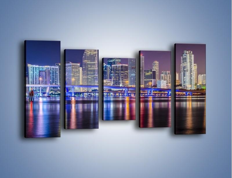 Obraz na płótnie – Światla Miami w odbiciu wód Biscayne Bay – pięcioczęściowy AM813W2