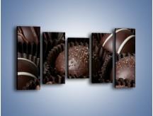 Obraz na płótnie – Czekoladowe praliny w foremkach – pięcioczęściowy JN040W2