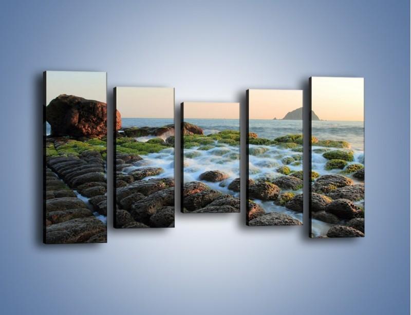 Obraz na płótnie – Ścisk wśród kamieni – pięcioczęściowy KN1026W2