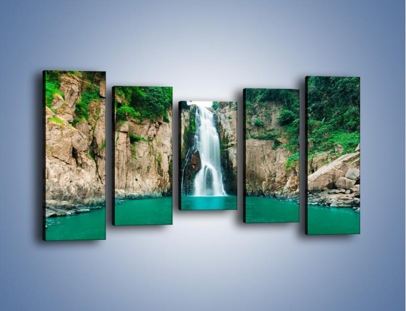 Obraz na płótnie – Skok ze skarpy do wody – pięcioczęściowy KN1184AW2