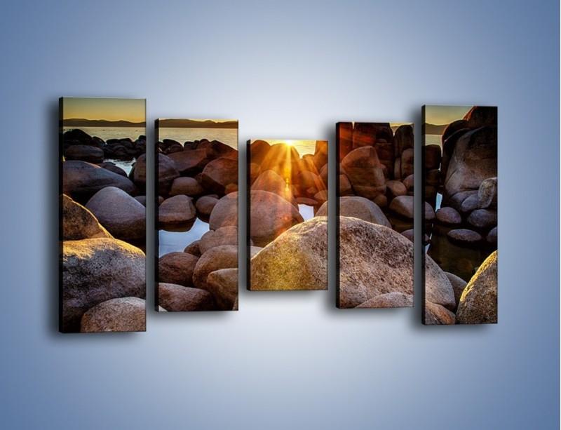 Obraz na płótnie – Kamienna wyspa w słońcu – pięcioczęściowy KN888W2
