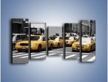 Obraz na płótnie – Amerykańskie taksówki w korku ulicznym – pięcioczęściowy TM219W2