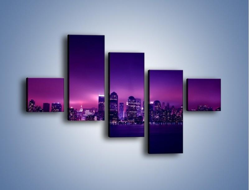Obraz na płótnie – Wieżowce w odcieniach fioletu – pięcioczęściowy AM008W3