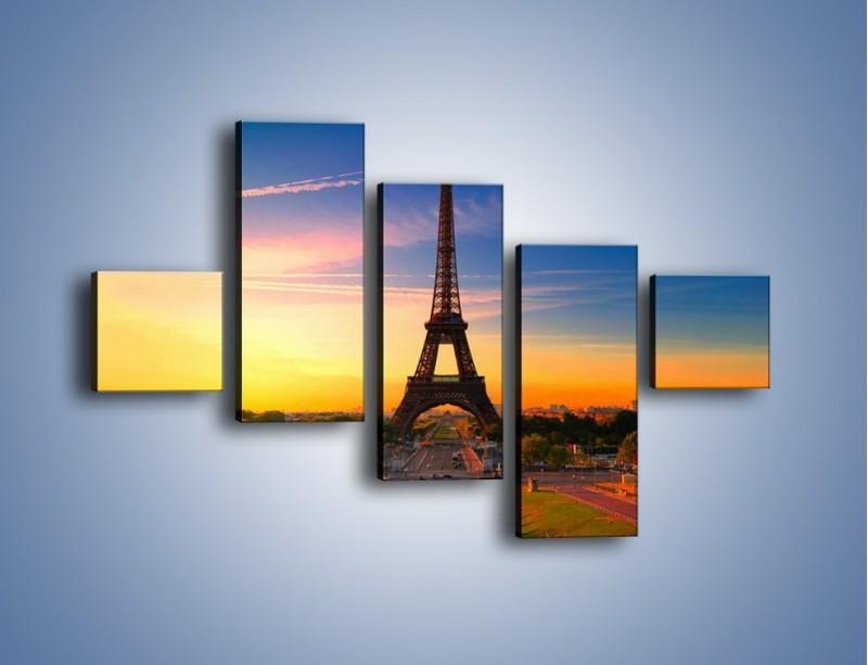 Obraz na płótnie – Wieża Eiffla o zachodzie słońca – pięcioczęściowy AM052W3