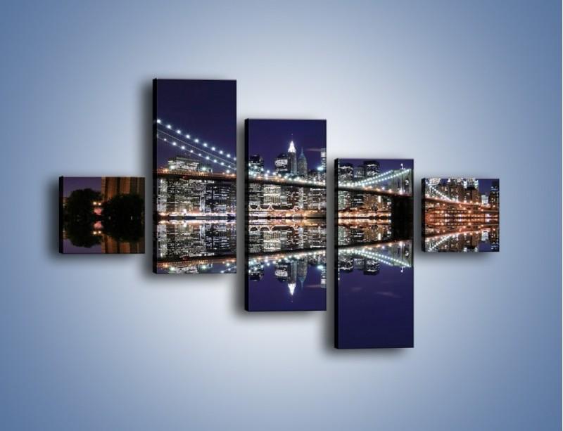 Obraz na płótnie – Most Brookliński w lustrzanym odbiciu wody – pięcioczęściowy AM067W3