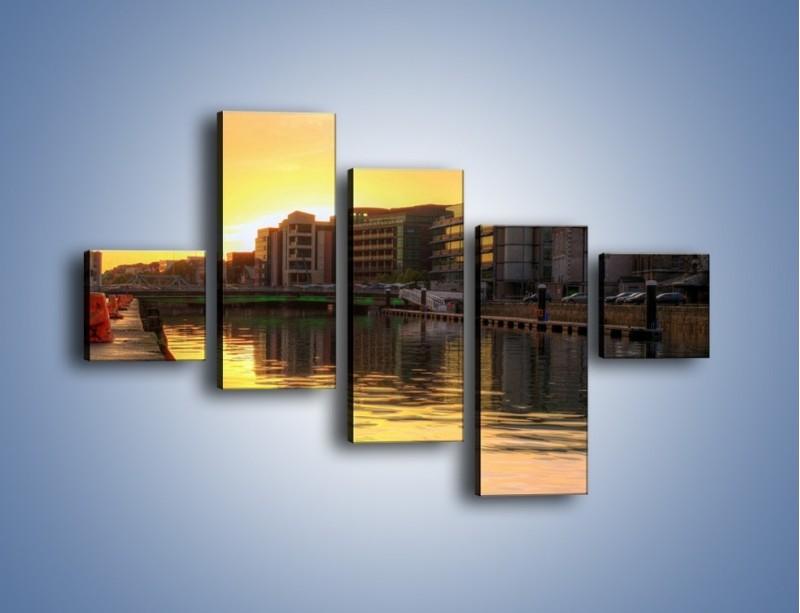 Obraz na płótnie – Kanał portowy o wschodzie słońca – pięcioczęściowy AM079W3
