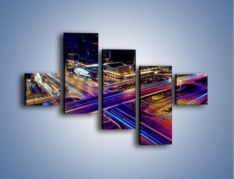 Obraz na płótnie – Skrzyżowanie autostrad nocą w ruchu – pięcioczęściowy AM087W3