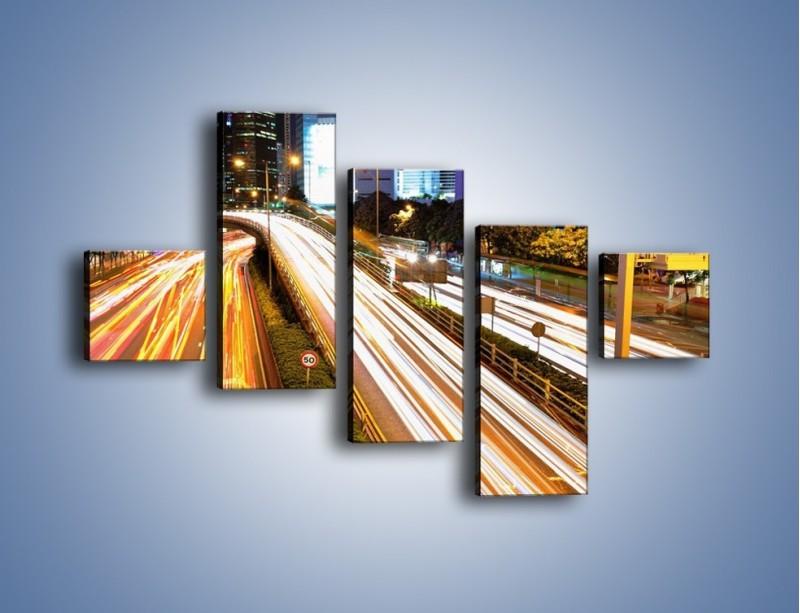 Obraz na płótnie – Ulice w ruchu w mieście – pięcioczęściowy AM089W3