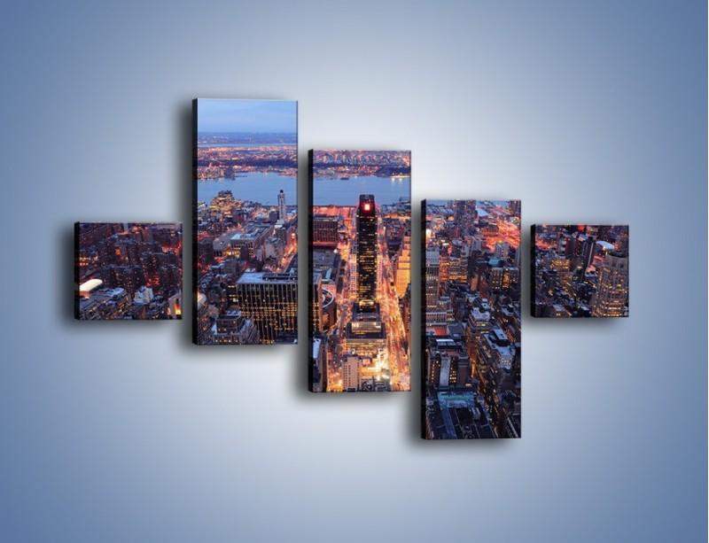Obraz na płótnie – Budzące się ze snu miasto – pięcioczęściowy AM097W3