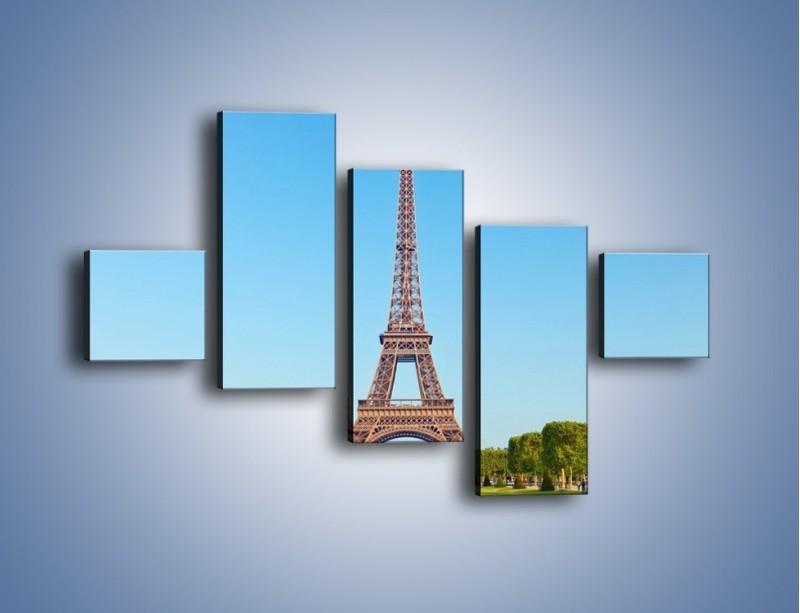 Obraz na płótnie – Wieża Eiffla pod błękitnym niebem – pięcioczęściowy AM171W3