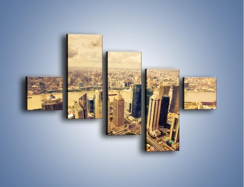 Obraz na płótnie – Miasto w pochmurny dzień – pięcioczęściowy AM178W3