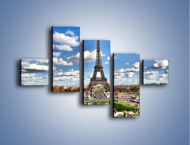 Obraz na płótnie – Wieża Eiffla w pochmurny dzień – pięcioczęściowy AM227W3
