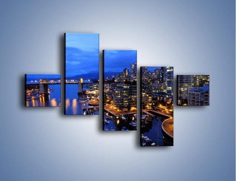 Obraz na płótnie – Port na jachty w mieście nocą – pięcioczęściowy AM250W3