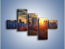 Obraz na płótnie – Wschód słońca nad miastem – pięcioczęściowy AM318W3