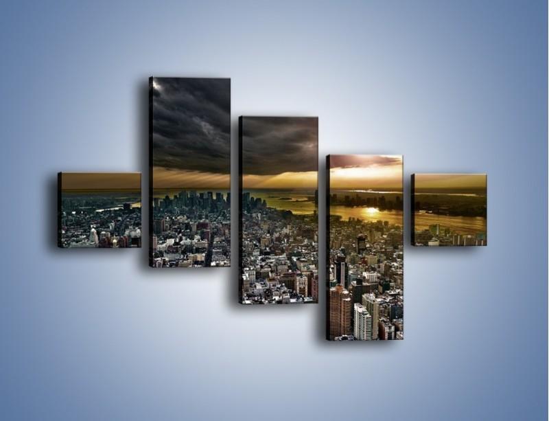 Obraz na płótnie – Czarne chmury nad Nowym Yorkiem – pięcioczęściowy AM347W3