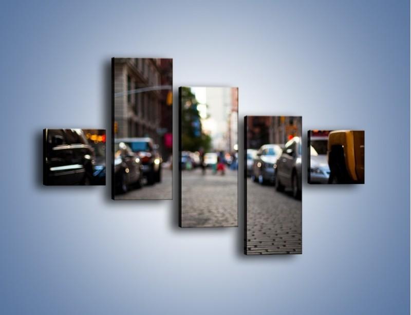 Obraz na płótnie – Rozmyty świat centrum miasta – pięcioczęściowy AM367W3