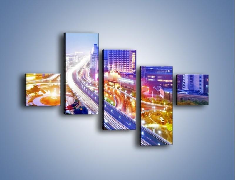 Obraz na płótnie – Rozświetlona miejska estakada – pięcioczęściowy AM729W3