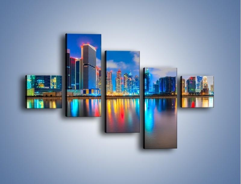 Obraz na płótnie – Kolory Dubaju odbite w wodzie – pięcioczęściowy AM740W3