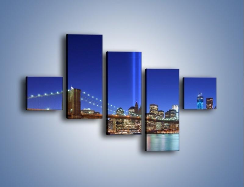 Obraz na płótnie – Świetlne kolumny w Nowym Jorku – pięcioczęściowy AM757W3