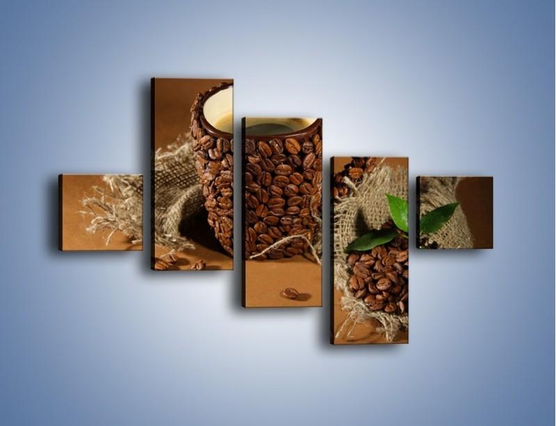Obraz na płótnie – Kubek z ziarnami kawy – pięcioczęściowy JN388W3