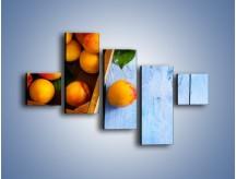 Obraz na płótnie – Brzoskwinie w drewnianej skrzyni – pięcioczęściowy JN404W3