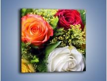 Obraz na płótnie – Róże z polnymi dodatkami – jednoczęściowy kwadratowy K061