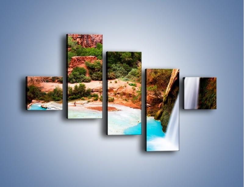 Obraz na płótnie – Zabawy przy wodospadzie – pięcioczęściowy KN095W3