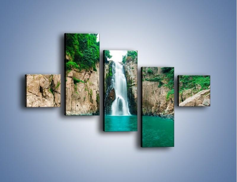 Obraz na płótnie – Skok ze skarpy do wody – pięcioczęściowy KN1184AW3
