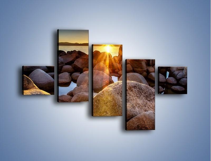 Obraz na płótnie – Kamienna wyspa w słońcu – pięcioczęściowy KN888W3