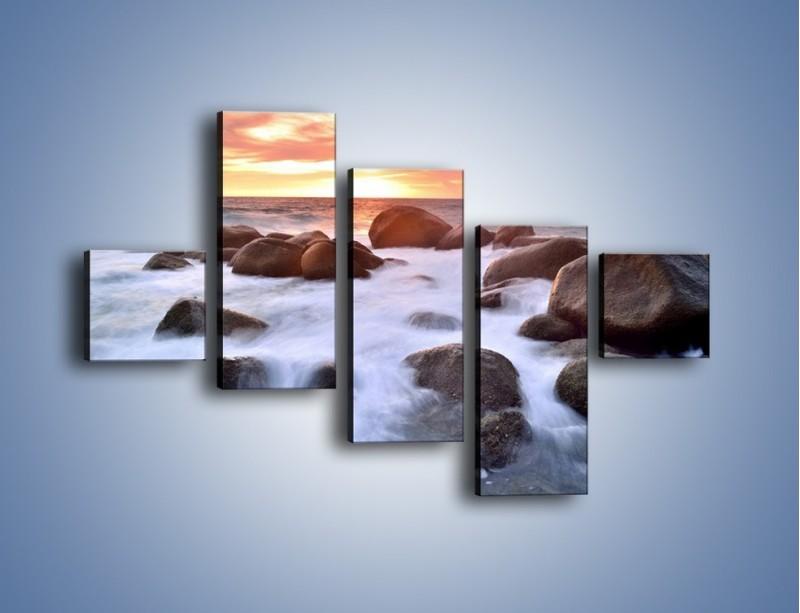 Obraz na płótnie – Kamienie zatopione w morzu – pięcioczęściowy KN930W3