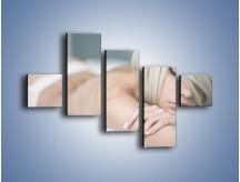 Obraz na płótnie – Biel idealna do łóżka – pięcioczęściowy L024W3