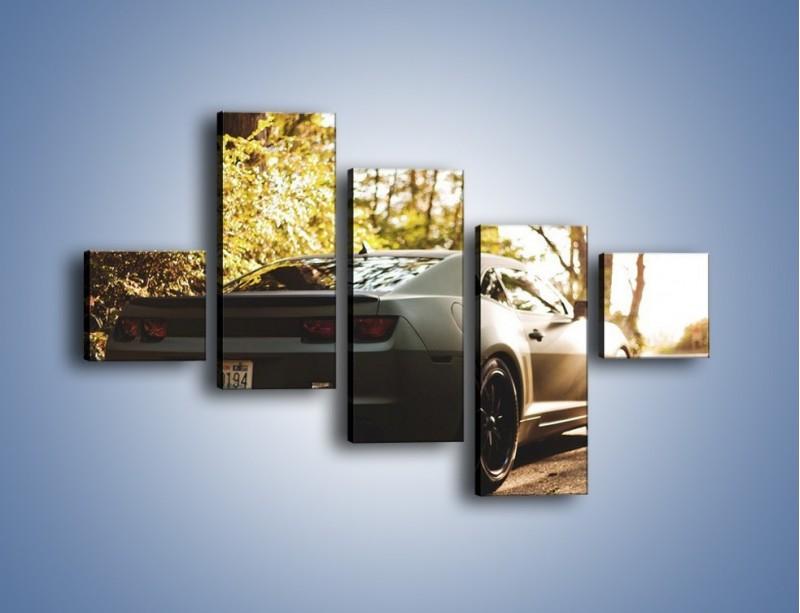 Obraz na płótnie – Chevrolet Camaro w matowym kolorze – pięcioczęściowy TM132W3