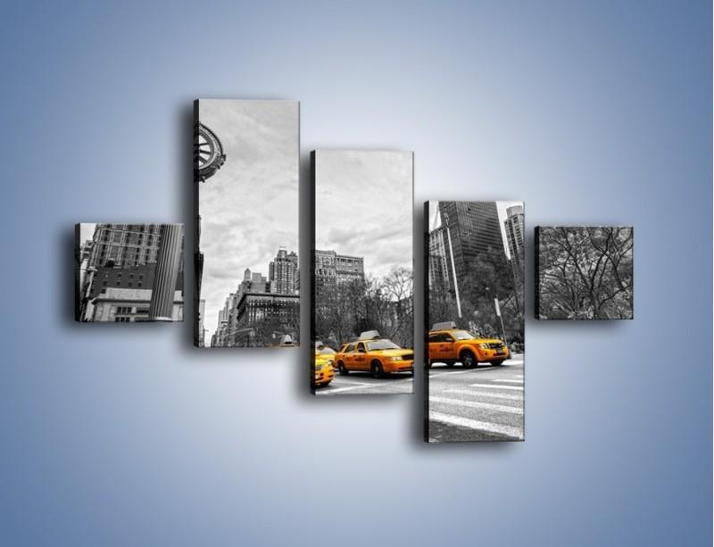 Obraz na płótnie – Żółte taksówki na szarym tle miasta – pięcioczęściowy TM225W3