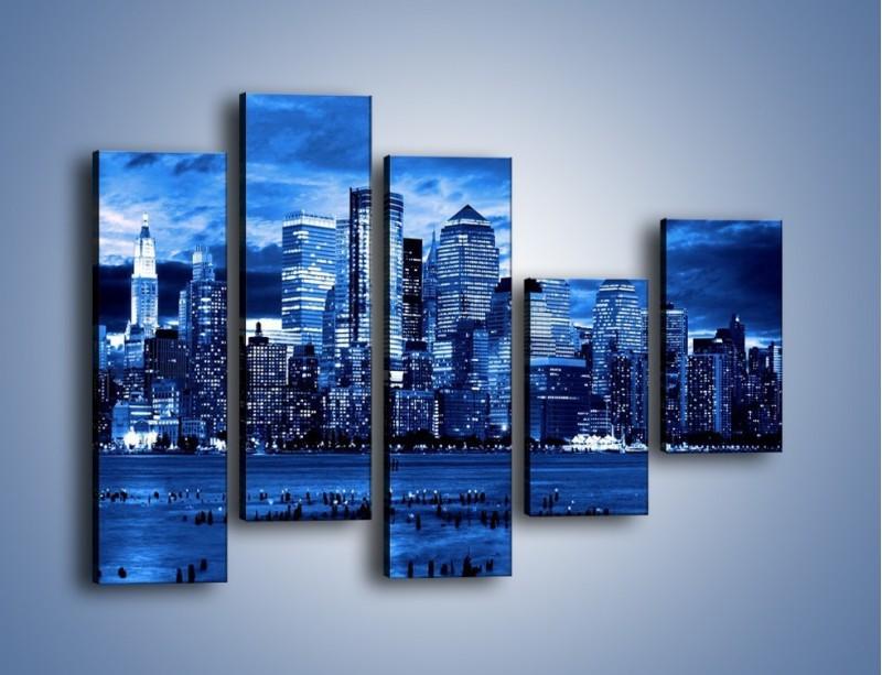 Obraz na płótnie – Wieżowce w odcieniach niebieskiego – pięcioczęściowy AM017W4