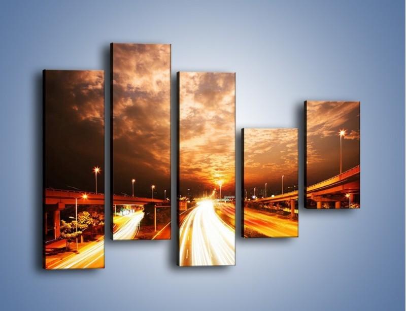 Obraz na płótnie – Oświetlona autostrada w ruchu – pięcioczęściowy AM021W4