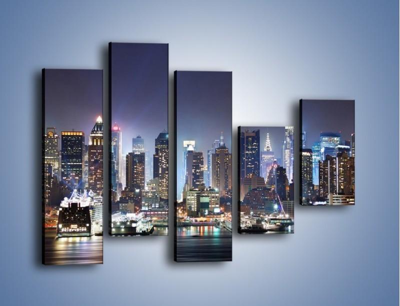 Obraz na płótnie – Oświetlone miasto nocą – pięcioczęściowy AM034W4
