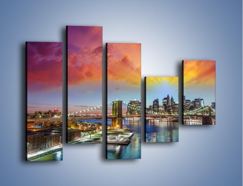 Obraz na płótnie – Most Brookliński pod kolorowym niebem – pięcioczęściowy AM047W4