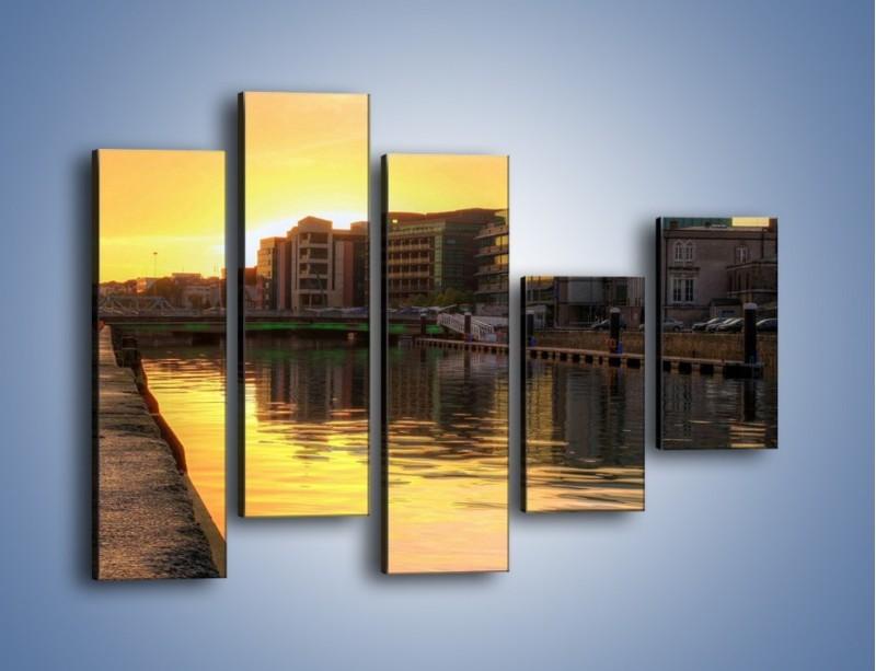Obraz na płótnie – Kanał portowy o wschodzie słońca – pięcioczęściowy AM079W4